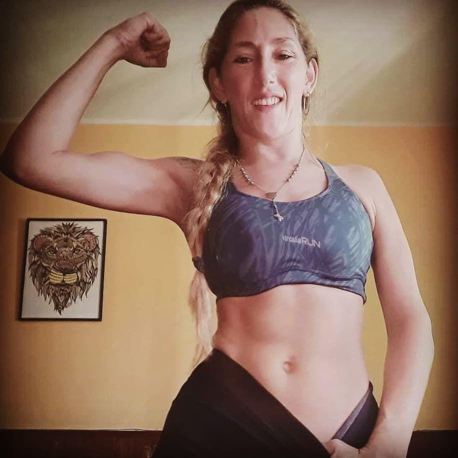 entrenamos!!!🏋️♀️💪 #gymmotivation #gymgirl #gymtime #gymlife #fitness