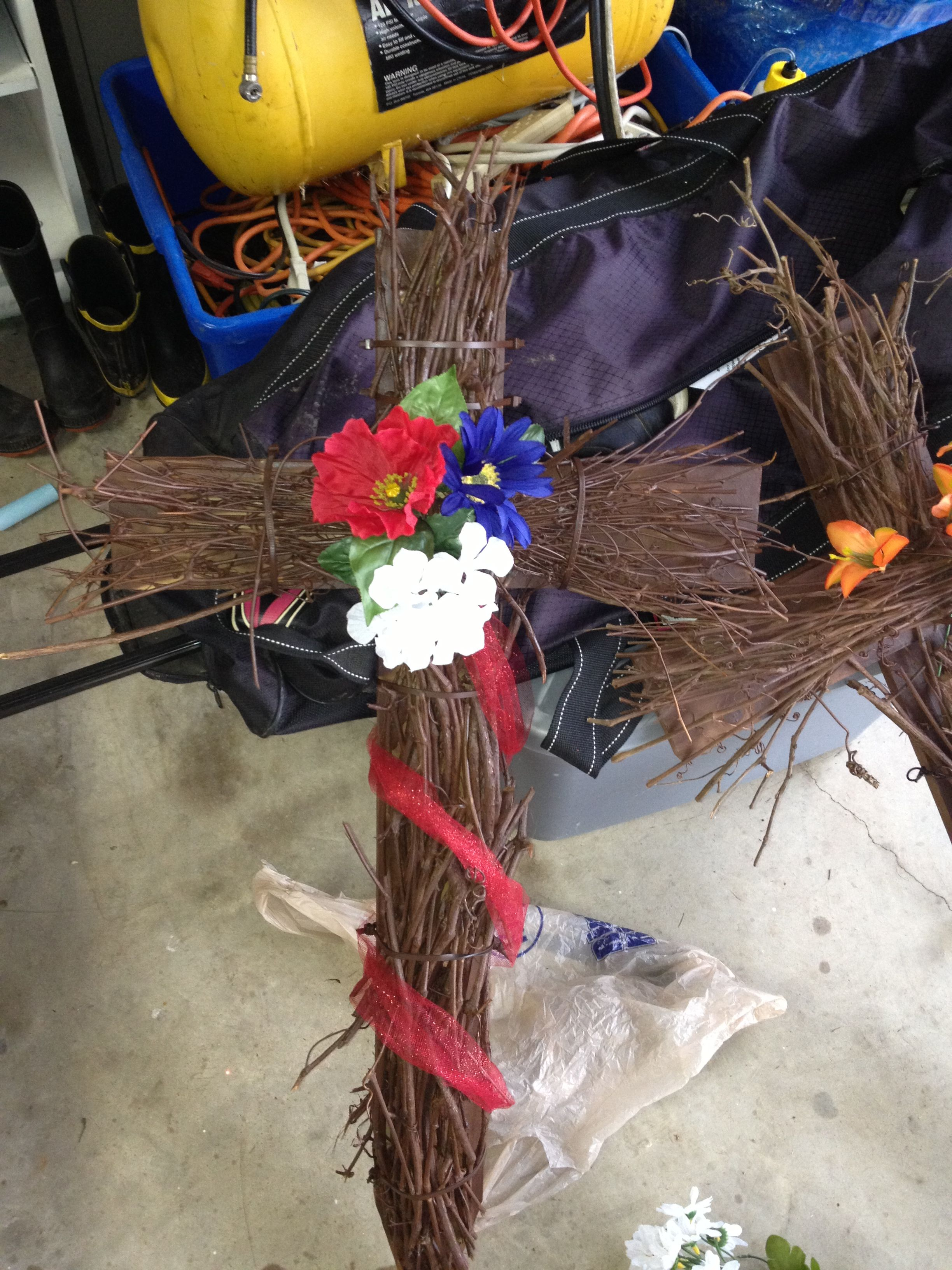 Cross for Johns grave Crafty diy, Diy crafts, Crafts