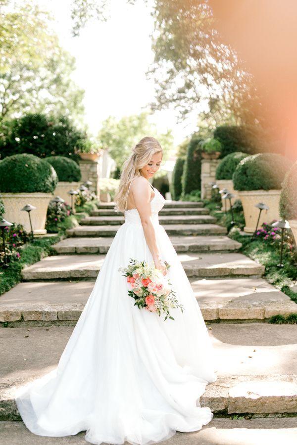 Haley: Bridal Portraits at The Dallas Arboretum   astylishsoiree.com #bridalportraitposes