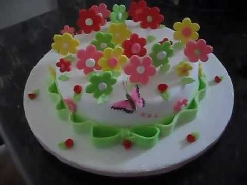 Resultado de imagem para bolo decorado em formato de cesta