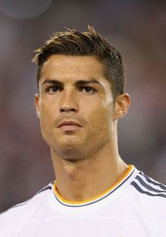 Cristiano ronaldos best hairstyles 2014 haircuts and hair style cristiano ronaldo hair voltagebd Choice Image