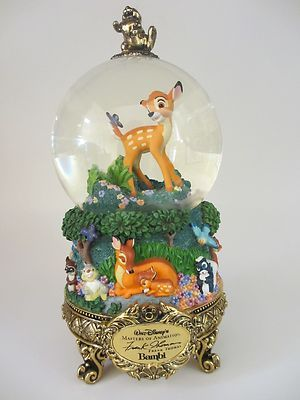 Antiques & Collectibles -- snow globe