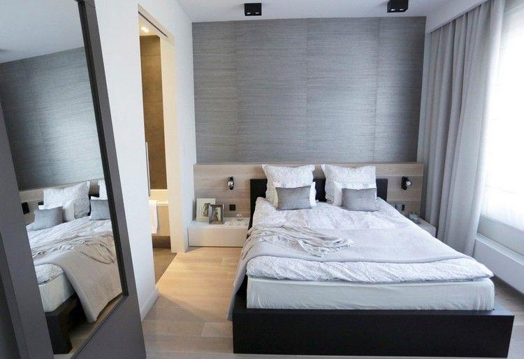 Wohnungseinrichtung Ideen Schlafzimmer Graue Tapete Helles Holz Spiegel