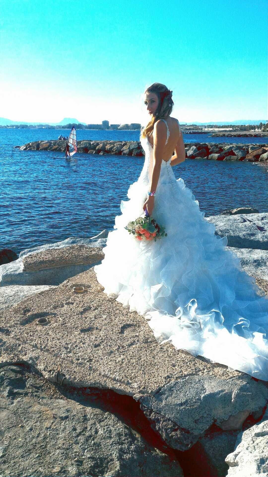 Robe de mariée Pronuptia achetée chez Mariage en Rose et retravailléepar l'atelier de Mariage en rose; Octobre 2016