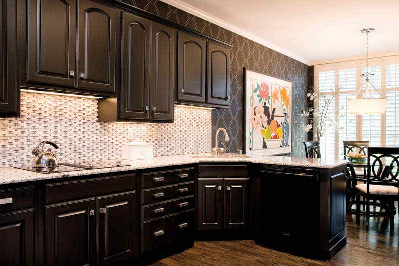 Wonderful Two Tone Kitchen Cabinets : Pictures, Options ...
