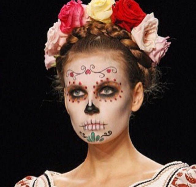 Gothic flowers | Corona di fiori, Carnevale, Maschera