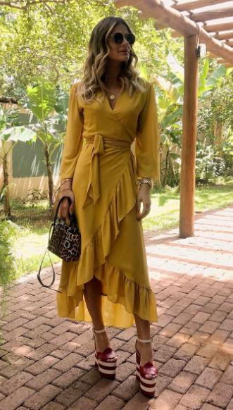 Thássia Naves Look Iorane Bolsa Dior Sandálias Gucci