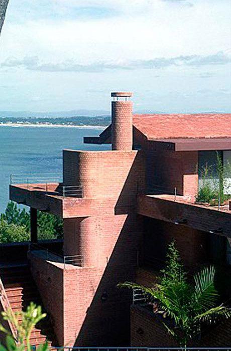 CASA PUNTA BALLENA Punta del Este. Uruguay. 2001 Arquitecto Samuel Flores Flores | ARQUITECTURA COLOR