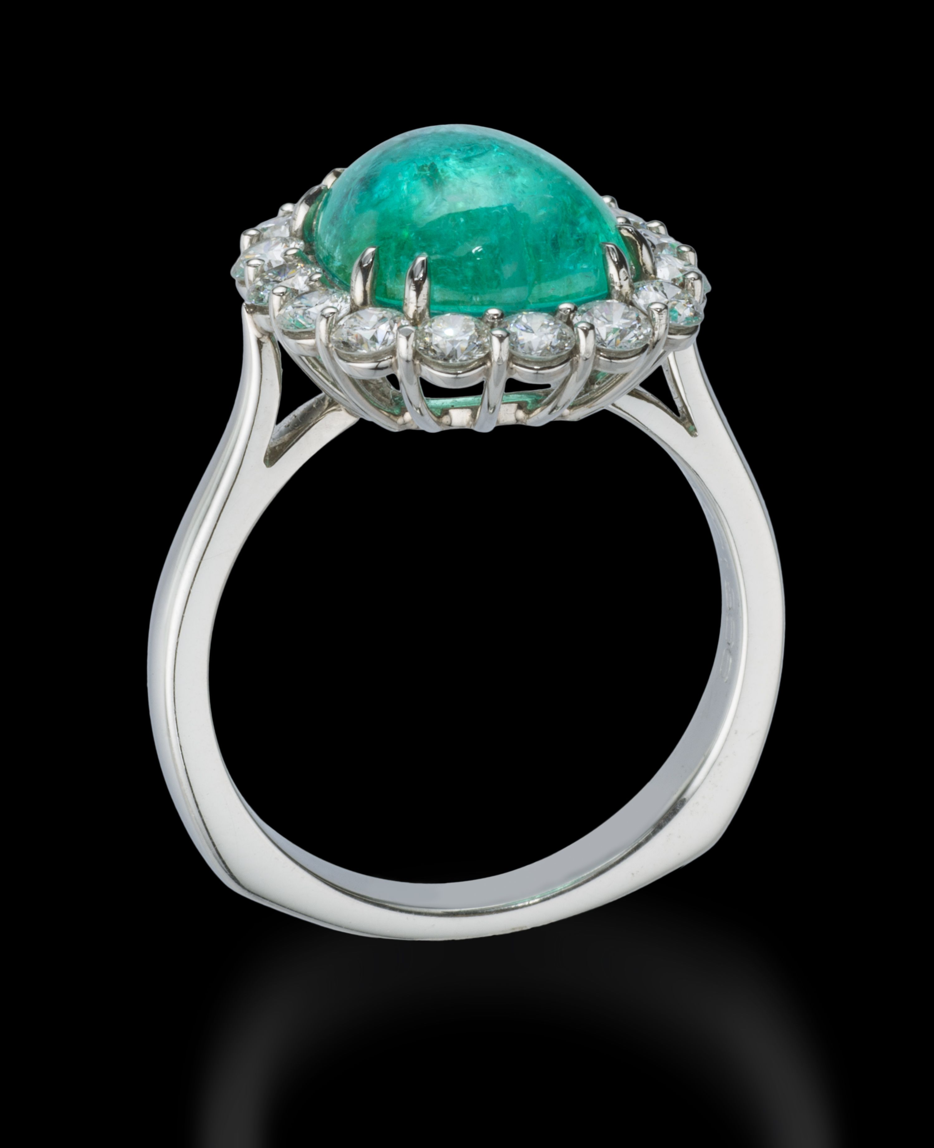 415 Carat Brazilian Cabachon Cut Paraiba Tourmaline, Diamond And Platinum  Ring #paraiba #