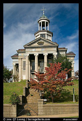 Old Courthouse Museum In Fall Vicksburg Mississippi Usa Color Vicksburg Vicksburg Mississippi Mississippi