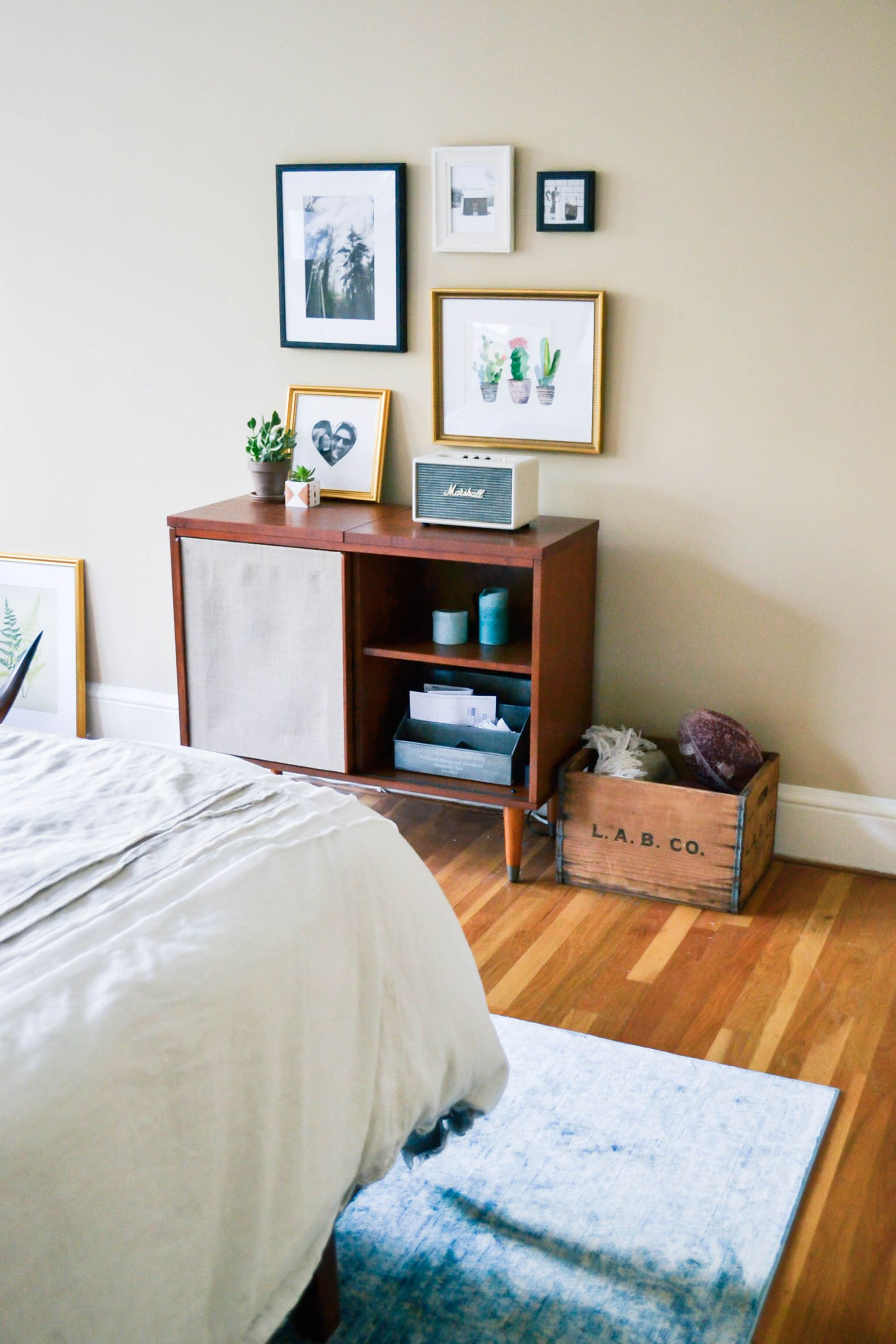 Cool Room Designs For Guys: Decorating My Boyfriend's Apartment