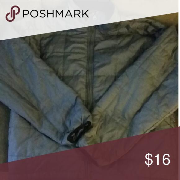 Gray Puffer Coat Gray coat Nylon, polyester, & nylon  Men's size XL Alpine  Jackets & Coats Puffers