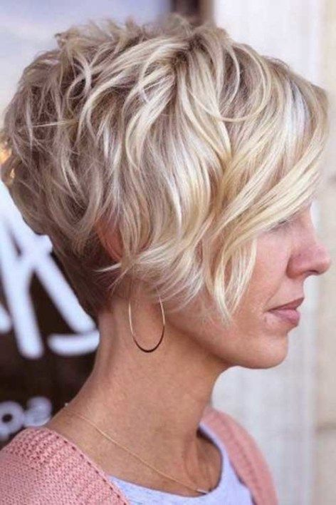 Charming Stacked Short Haircuts For Women With Images Thin Fine Hair Thick Hair Styles Thick Hair Pixie