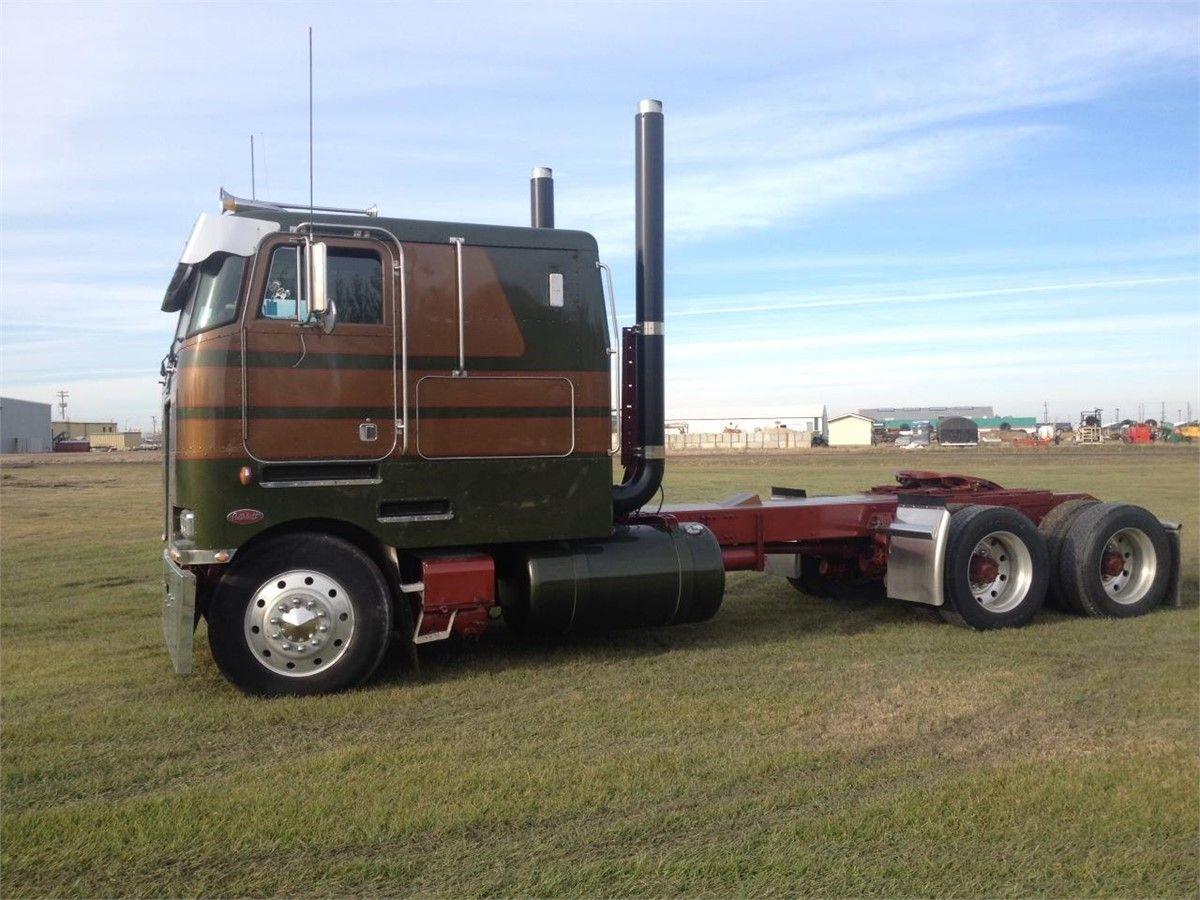 Truck Dealers: Peterbilt Truck Dealers