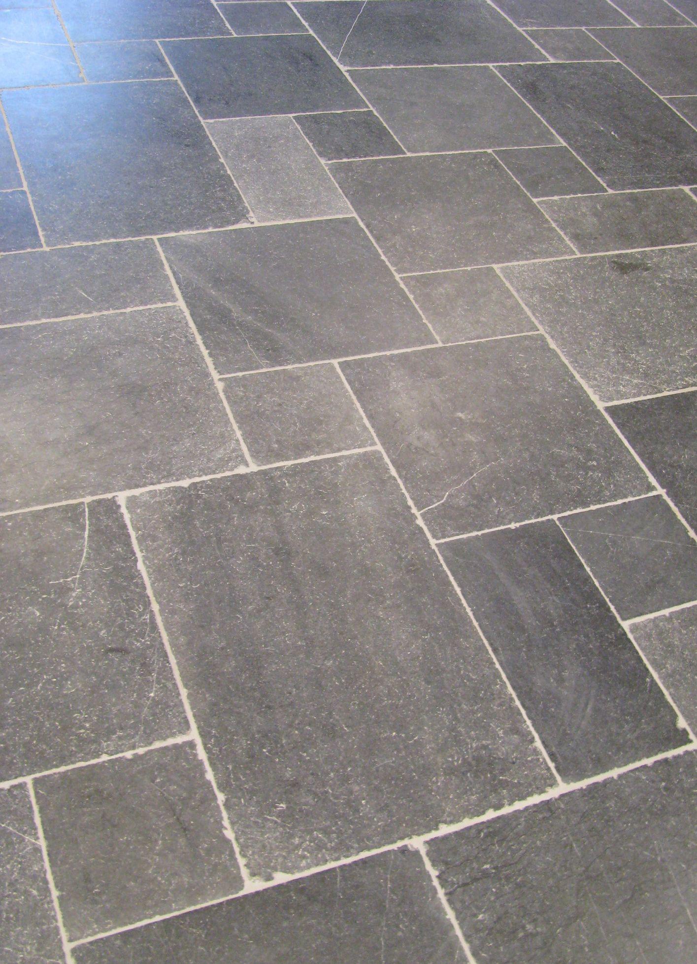 Zwarte Natuursteen Vloertegels.Tegeldeal Nl Product Vloertegel Ynan Bluestone Soft