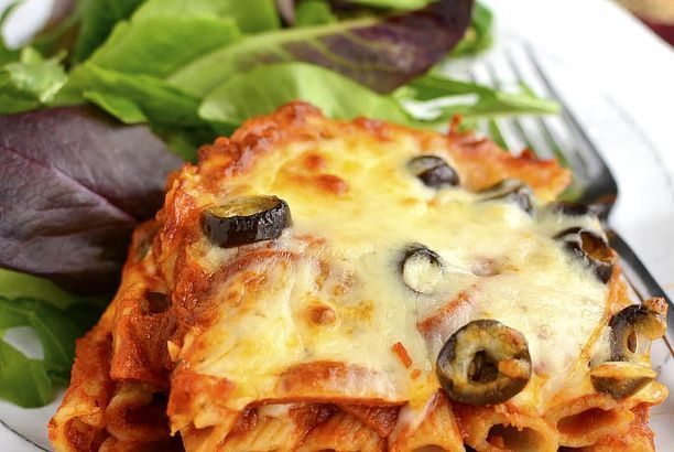 5-Ingredient Pizza Pasta Bake
