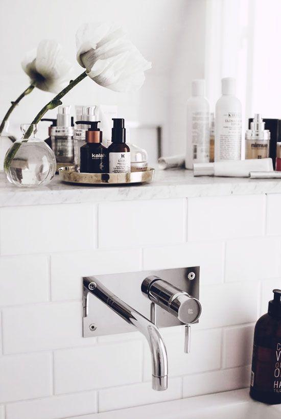 die besten 25 wasserhahn ideen auf pinterest waschtisch holz f r aufsatzwaschbecken. Black Bedroom Furniture Sets. Home Design Ideas