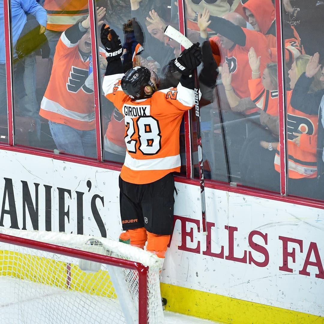Claude Giroux Philadelphia sports, Flyers hockey, Fun sports