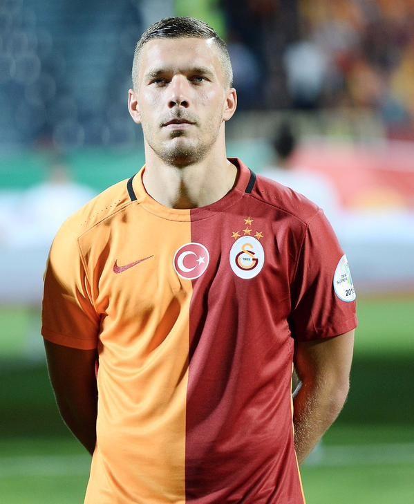 Twitter Lukas Podolski