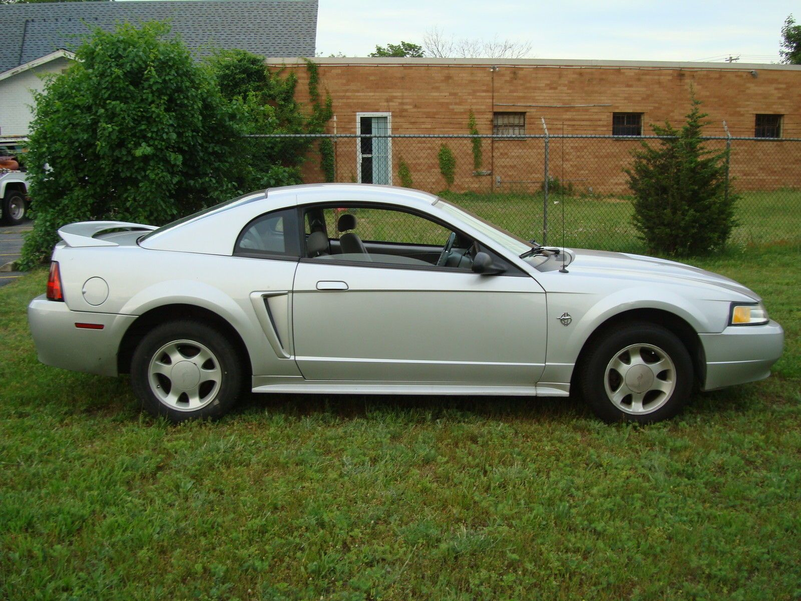 Car Brand Auctioned Ford Mustang Base Coupe 2 Door Clean 1999