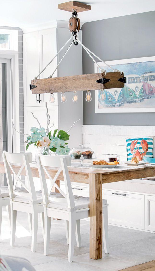 Une oasis tropicale | Chaise de comptoir, Maison et Armoire rangement