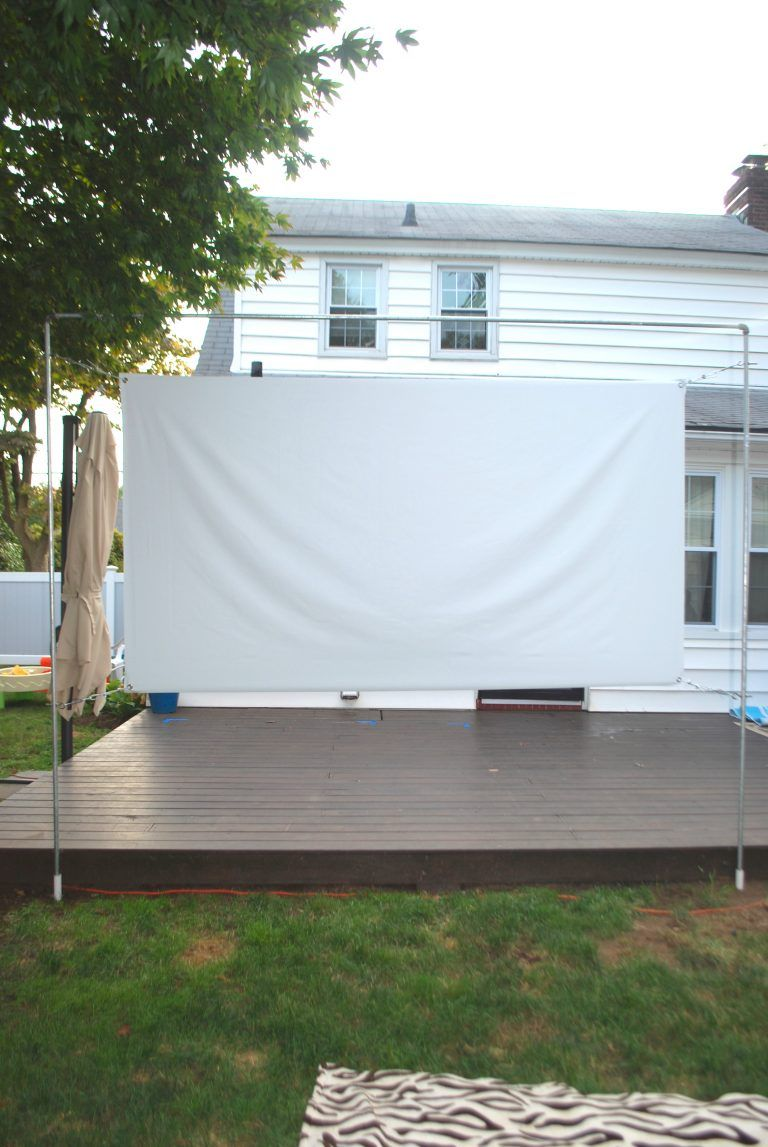 Photo of DIY OUTDOOR MOVIE SCREEN AND STAND – Showit Blog