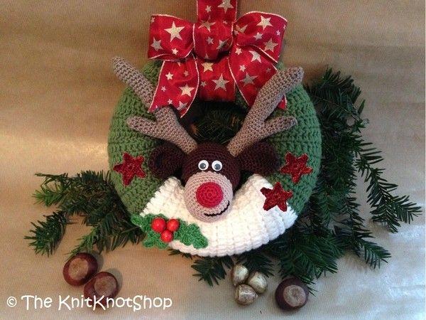 Photo of Crochet door wreath // with decorative reindeer head