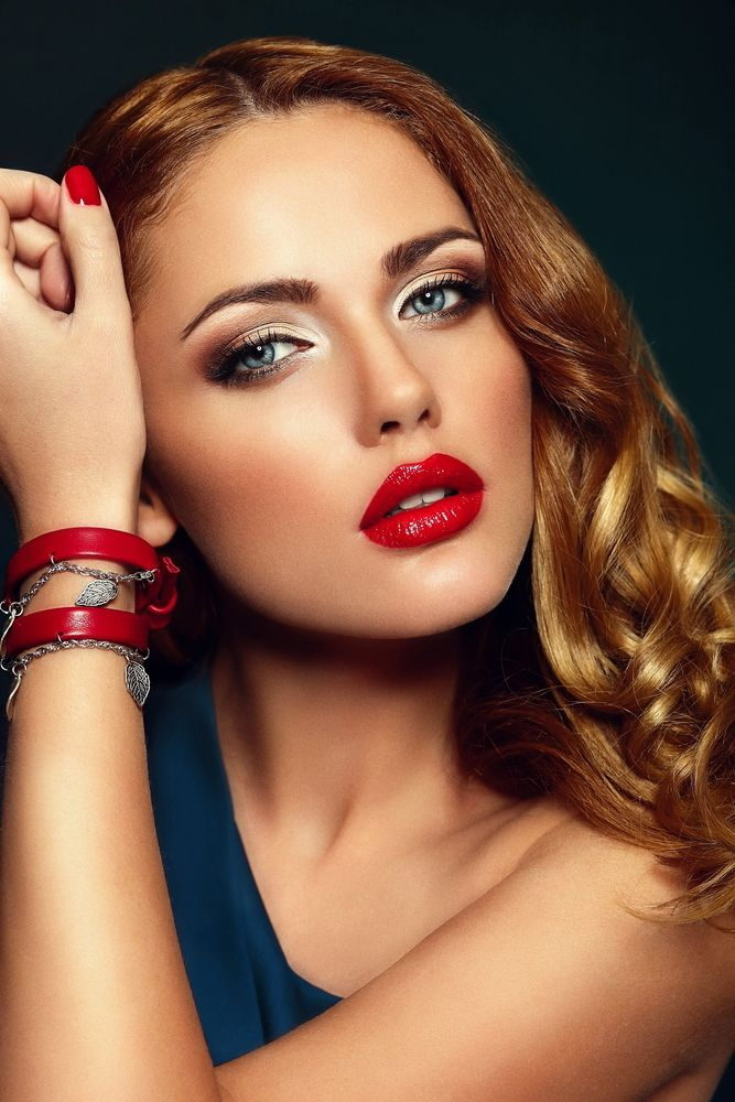 Amazing Diva S Look Glossy Red Lips Perfect Red Lips