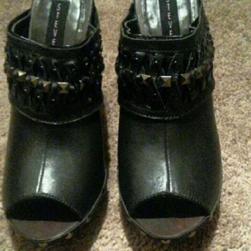Steven Leather Heel Shoe By Steve Madden