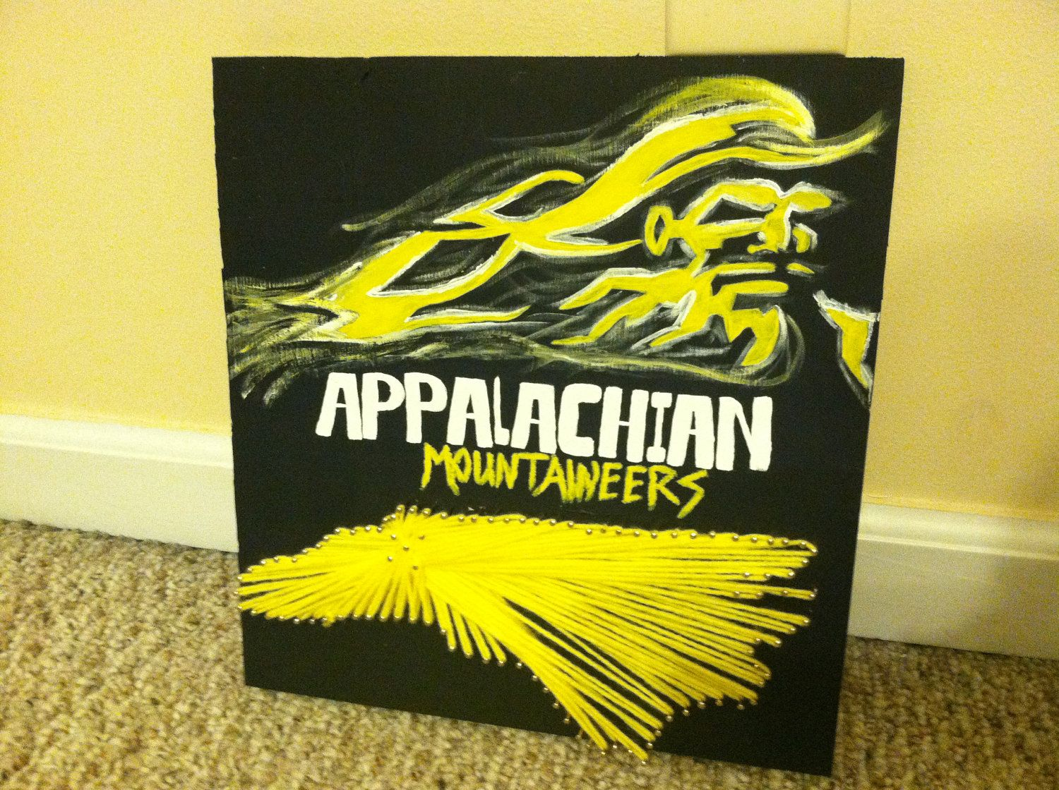 Wooden wall decor with string art/College themed wall hanging ...
