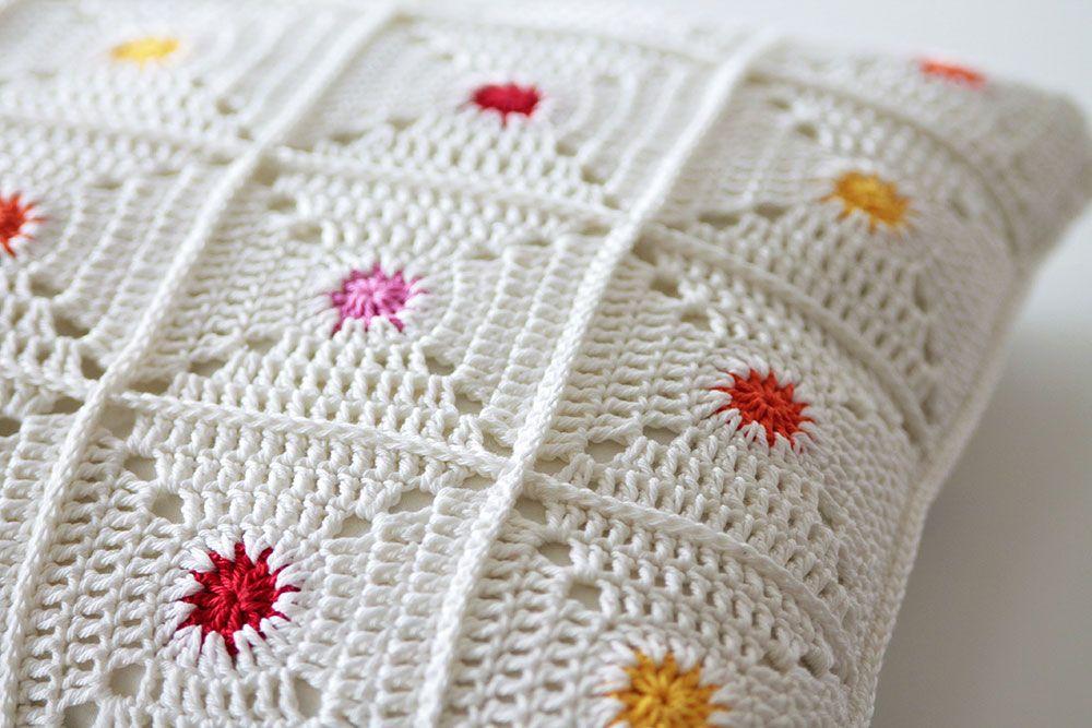 New pattern: Hot spot pillow | Trabajo para, Tejido y Mantel