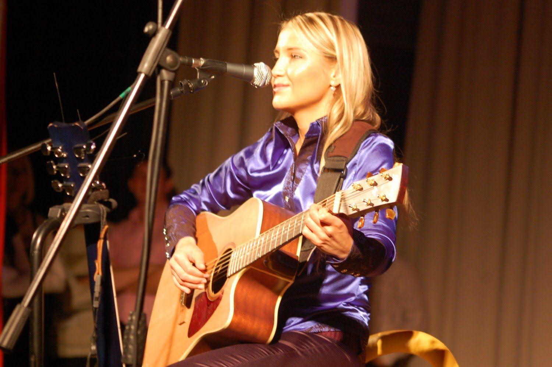 Комбинация вишнёвая девятка на гитаре, аккорды youtube.