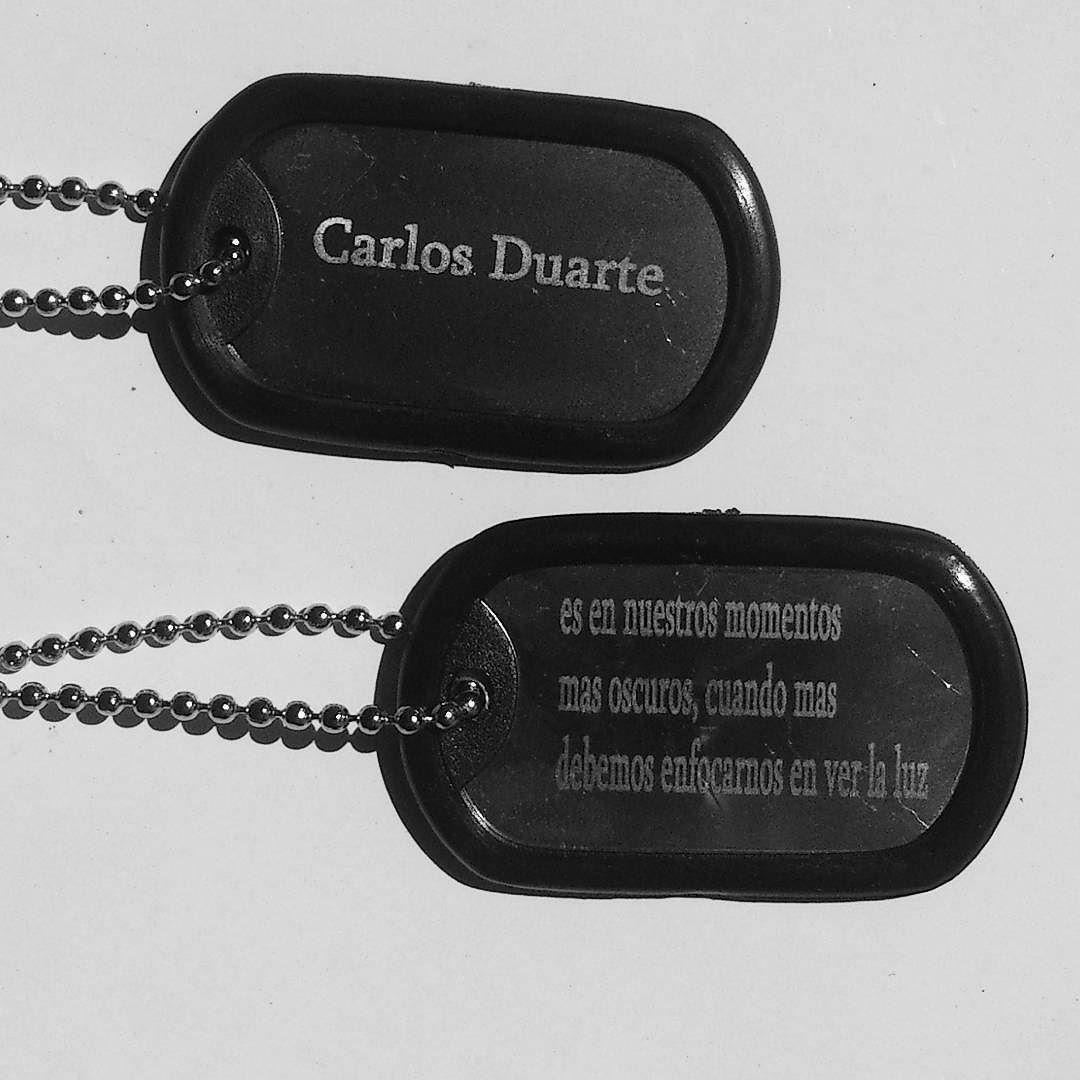652cf57b988a Placas militares con mensaje y nombre personalizado.