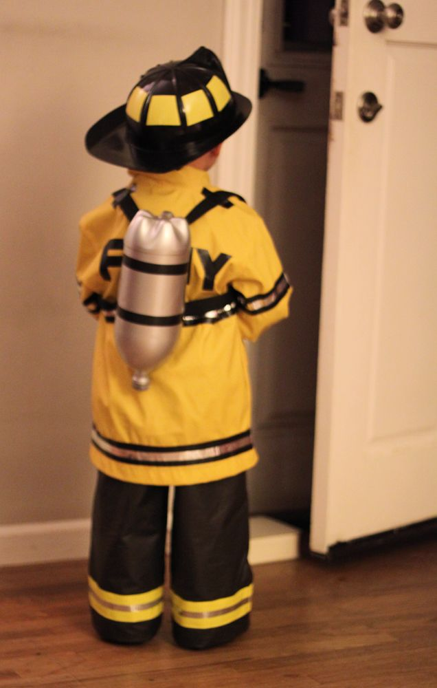 DIY costume instructions from http://www.smallfriendly.com/small-friendly/2012/11/diy-halloween-a-firefighter-his-dalmatian.html