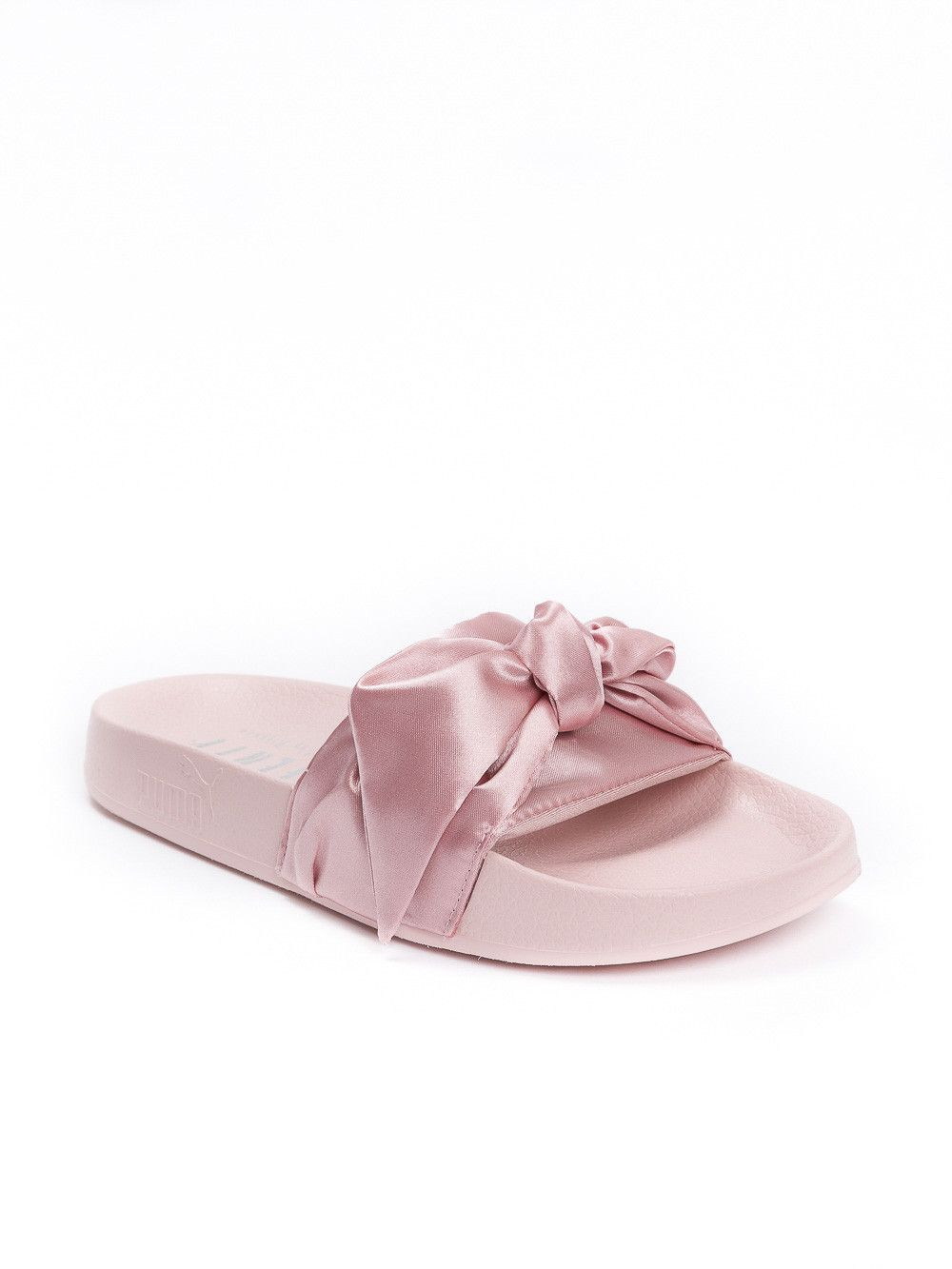 competitive price 91937 c1e93 Fenty X PUMA by Rihanna BOW SLIDE in 2019 | Julia's Dream ...