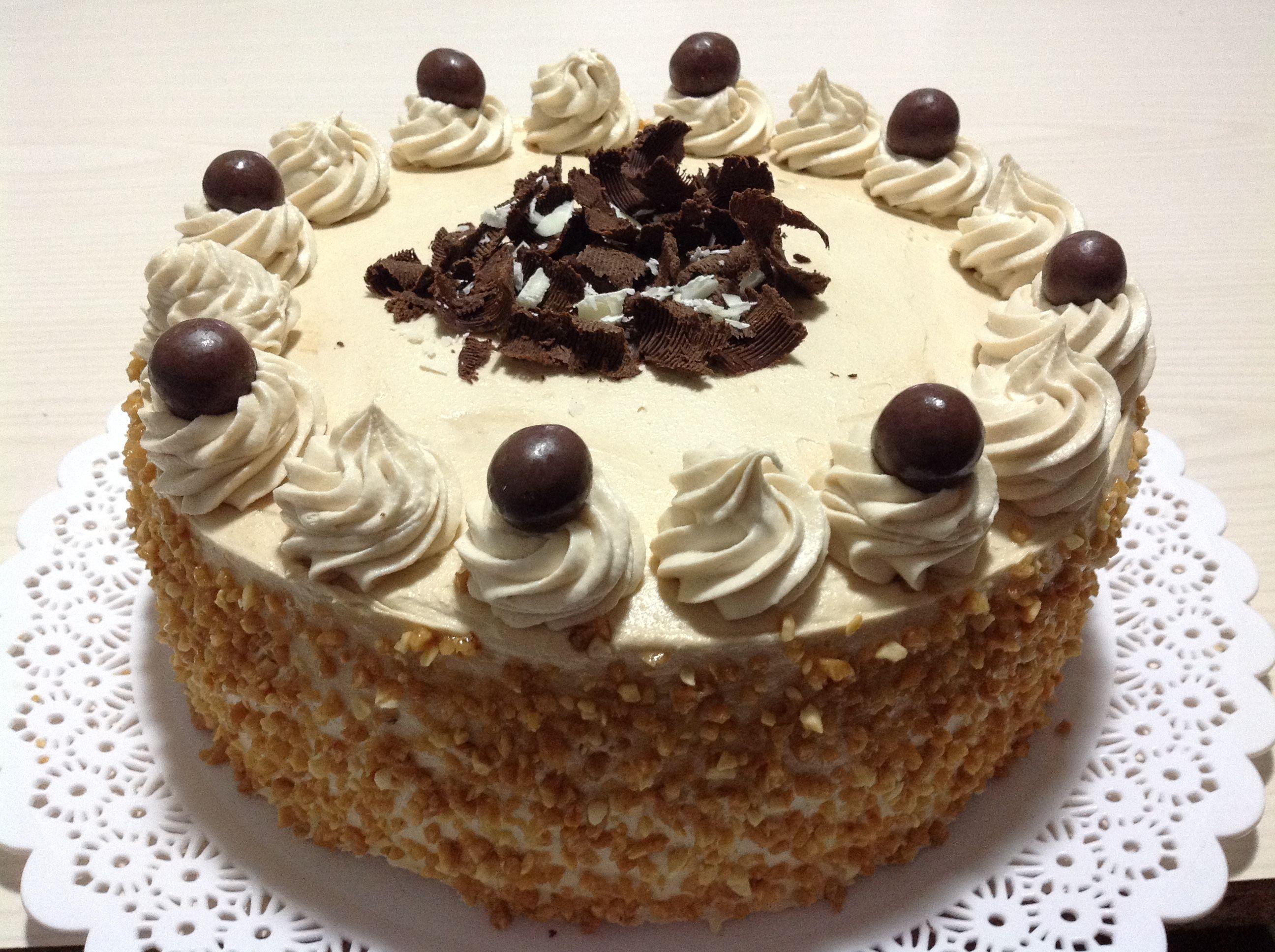 TORTA MOKA Les presento!! el favorito de cualquier amante del café!!! https://www.facebook.com/Tortastartas-y-m%C3%A1s-dulces-571312699699408/