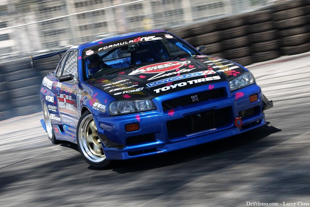 Nissan Skyline R34 Drift