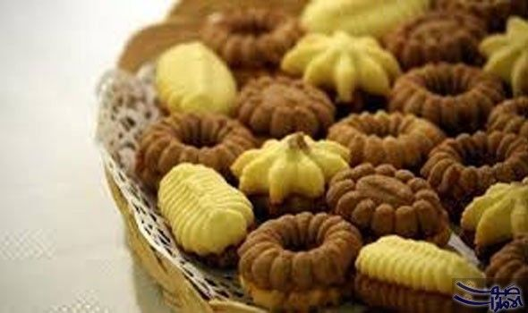 صوت الإمارات الشيف ريمو أبو علفة تعرض طريقة عمل البيتي فور Middle East Recipes Food Dessert Recipes