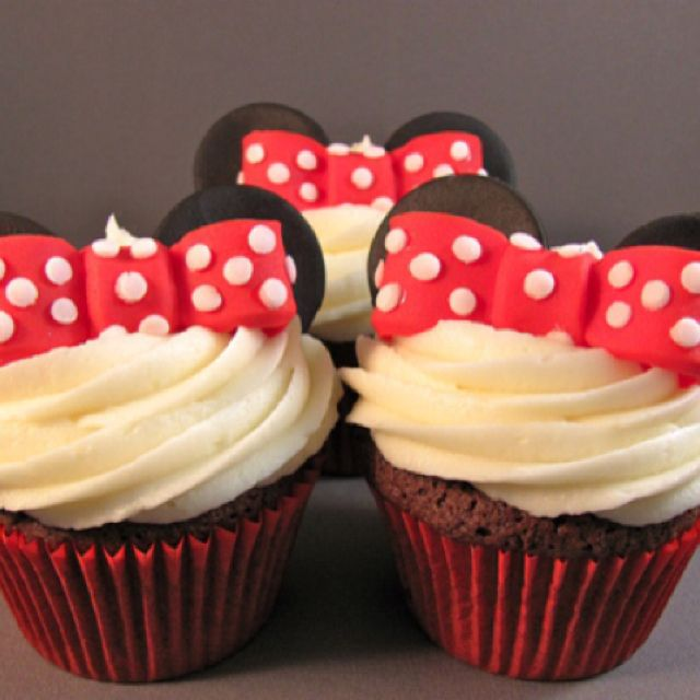 a red velvet minnie mouse cupcakes