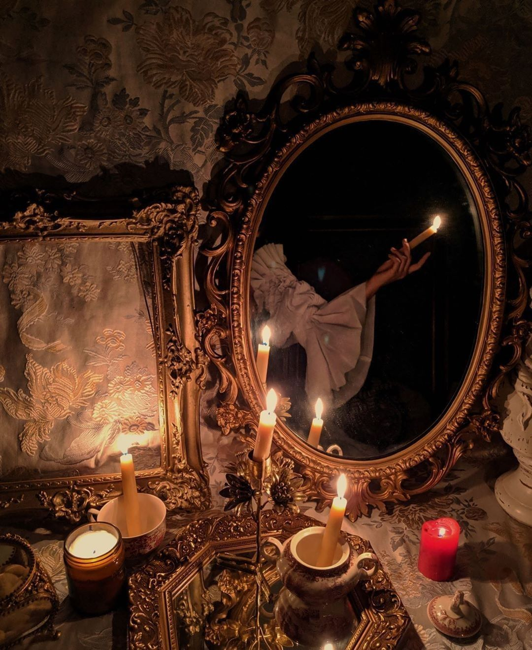 Featured image of post Romantic Dark Victorian Aesthetic - Tell me, what is it you plan to do with your one wild and precious life?