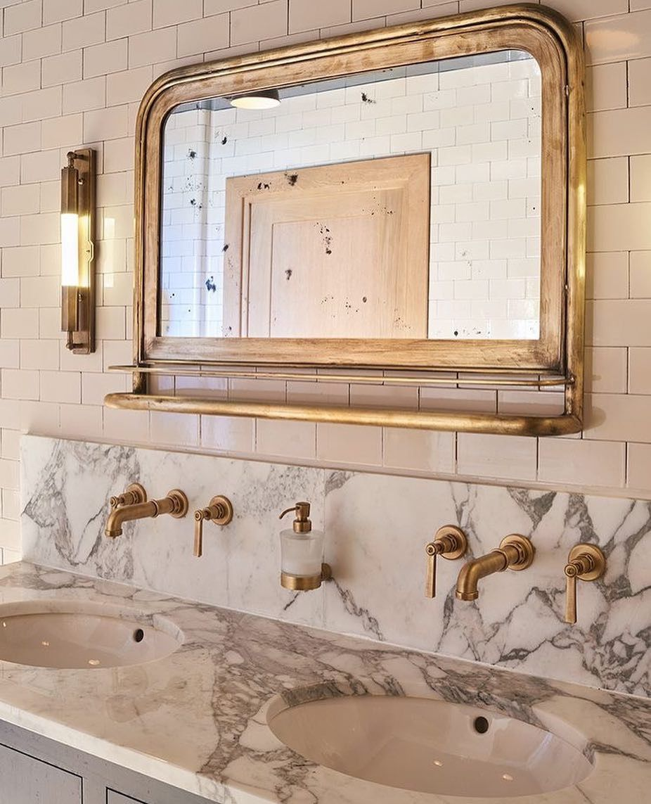Elegant Vintage French Style Bathroom With Arrabescato Marble