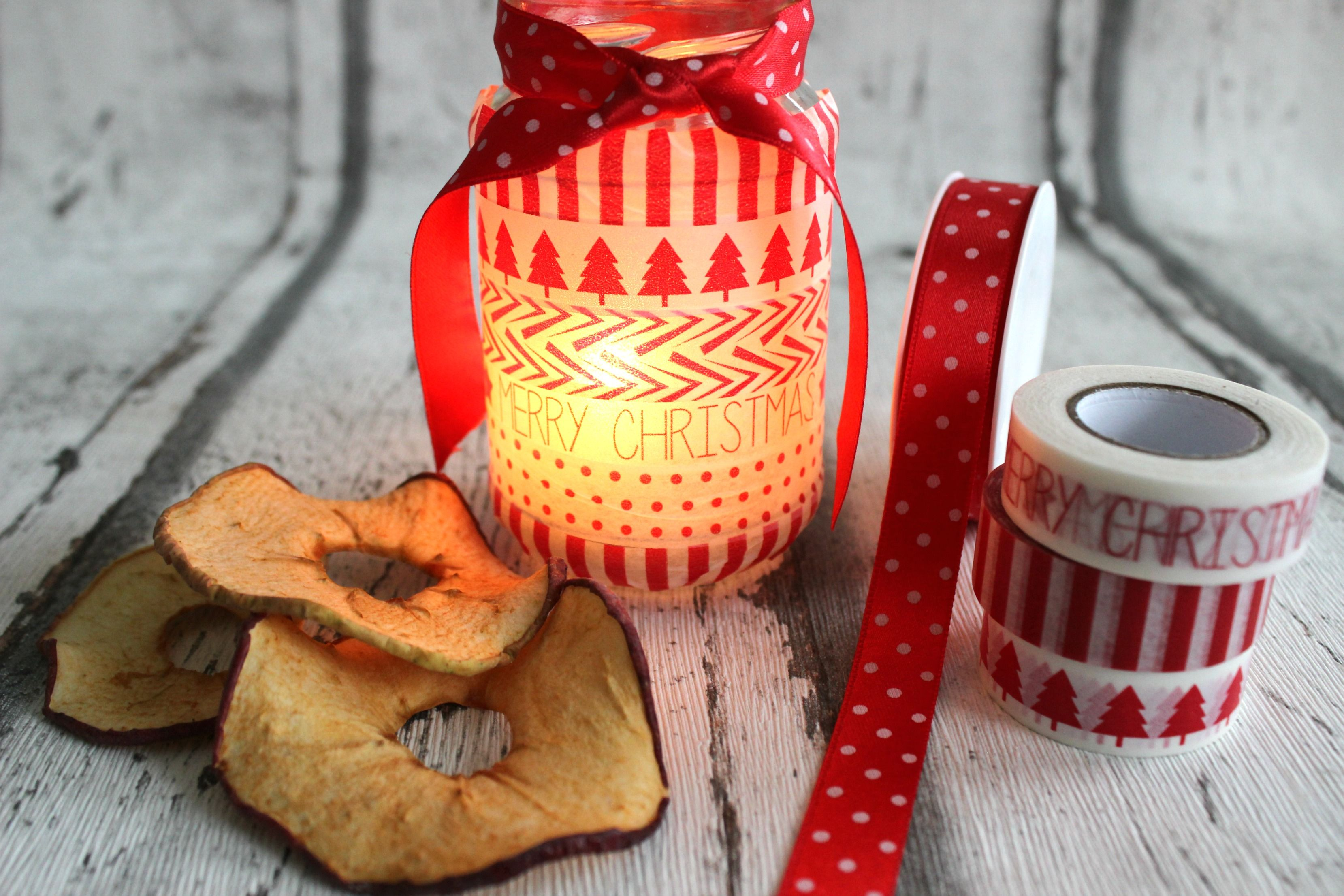 Windlichter für den Advent selbst gestalten, DIY, Basteln mit Madkingtape, Washitape DIY, Kerzen, Candles, Adventsdekoration, Basteln für Weihnachten via lifestylemommy.de