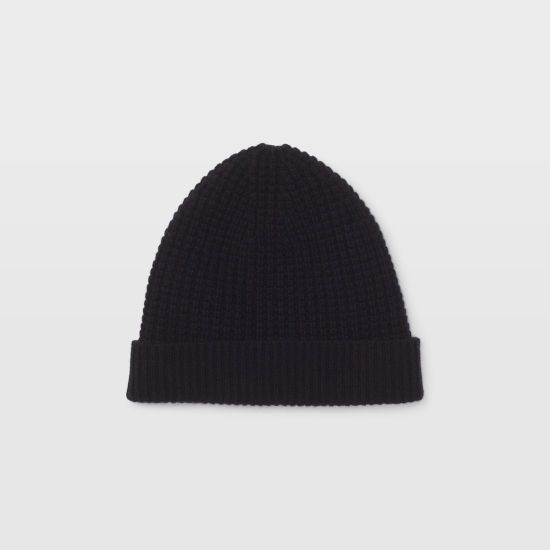 782bcbabe6d Cashmere for the cold. The essential winter hat
