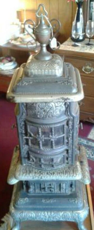 Antique Dealers Small Living Fame Rosemont Manufactured By Floyd Wells Co Royersford Pa Paulie S Stove Rescue