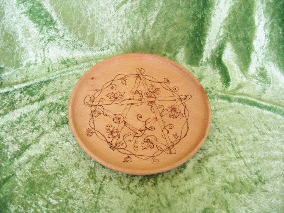 Pyrographed Offering Plate by BesomMagic on Etsy