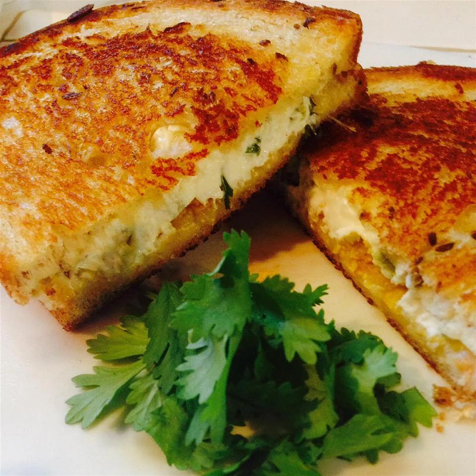 Garlic Bread Grilled Cheese Recipe Jalapeno Popper Grilled Cheese Sandwiches Grill Cheese Sandwich Recipes