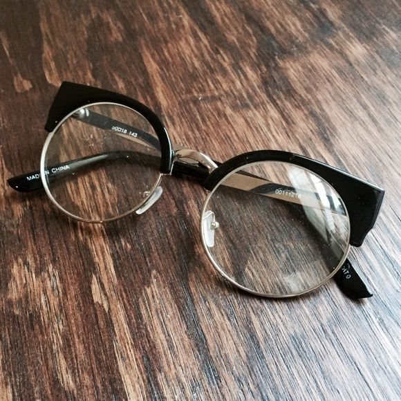 Black & Metal Round Glasses