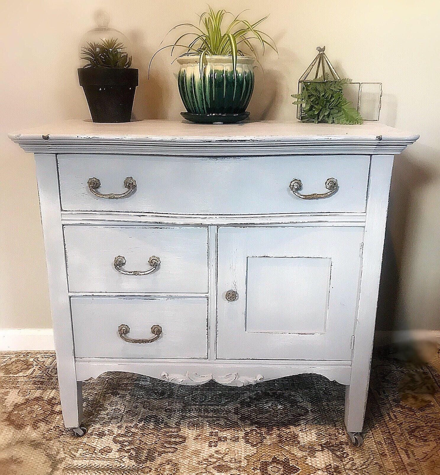 Gorgeous Light Gray Vintage Dresser /Baby Changing Table Antique Lowboy  Chest Of Drawers
