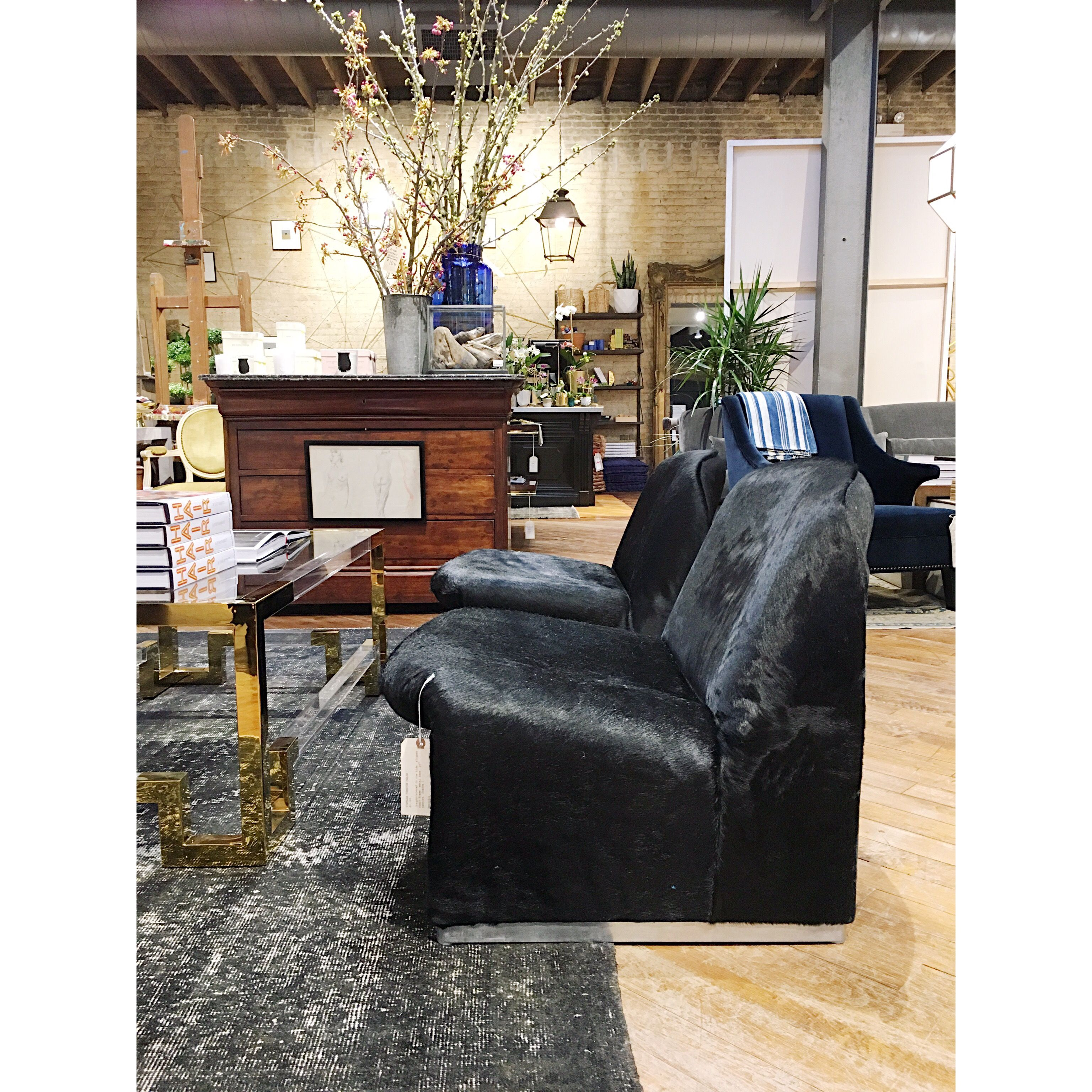 Signature mix of vintage and new at the Jayson Home