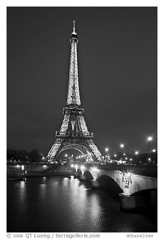 Pin By Sheryl Means On Black White Eiffel Tower At Night Eiffel Tower Black And White Pictures